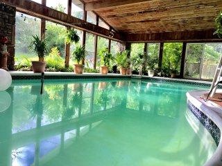 Sam's Mansion 3-Bedroom Suite $395