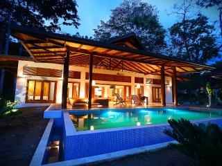 Zen Villa. Luxury Balinese style villas