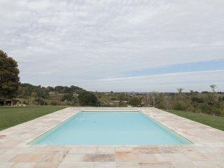 Luxurious Holiday cottage - St Emilion Bordeaux Region. South West France.