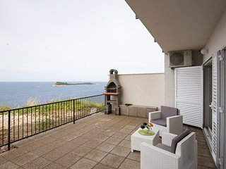 Apartments Manuela - Comfort One-Bedroom Apt with Terrace and Sea View (A2+2)