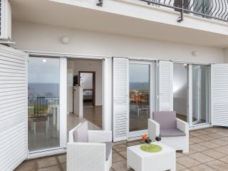 Apartments Manuela - Comfort One Bedroom Apartment with Terrace and Sea View(A2+