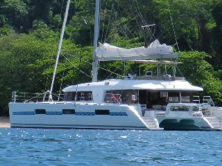 Lagoon 620 Catamaran with crew / cabin-cruise