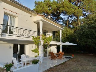 Quiet house near the beach for 14, Saint-Georges-de-Didonne