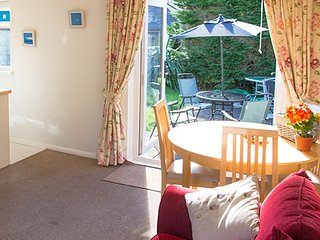 Merrydown Cottage - Kenegie Manor Holiday Park