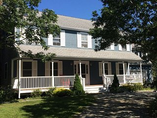 BEAUTIFUL EDGARTOWN COLONIAL WITH POOL