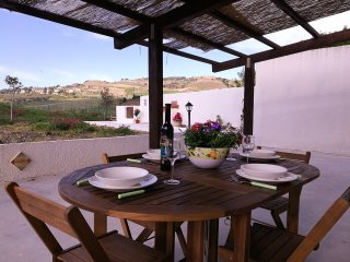 Chalet with 2 rooms in Ballata Erice(Trapani), with furnished garden and WiFi, Buseto Palizzolo