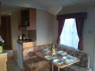 Spacious 3 bedroom 8 berth family caravan, Camber