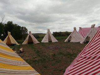 Campamento tiendas indias (Tipis)