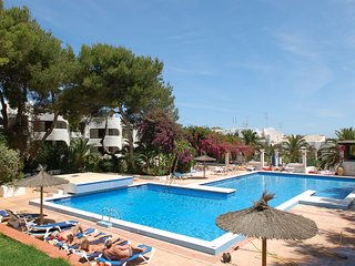 Central apartment with communal pool and near the beach, Siesta