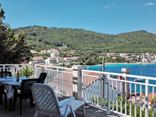 Apartment Classic Korčula - Two Bedroom Apartment with Terrace and Sea View