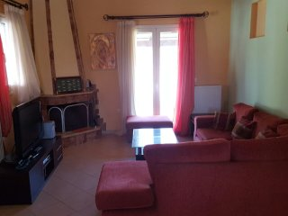 Fully equipped house in Peratata