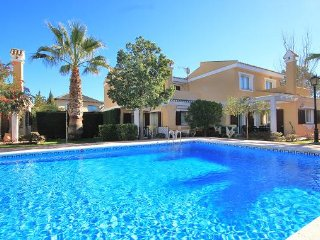 Los Naranjos 4 bedrooms with Community Pool, Los Belones