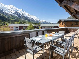 Stay at Grand Paradis 11 Apartment with 'Very Good' Property Manager 4.5/5