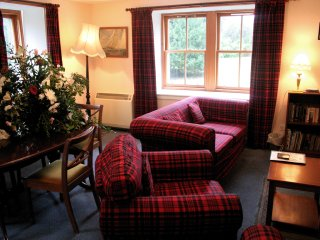 Sycamore Cottage - - Fingask Castle