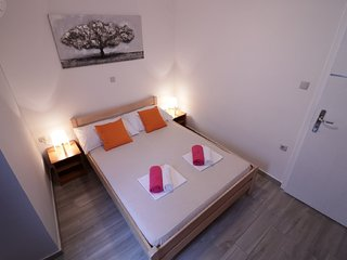 City center apartment for four, A1, Novalja