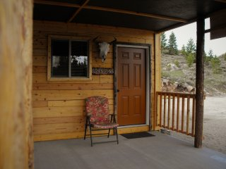 Buffalo Room at Beartooth Lodge Close to Yellowstone National Park