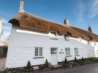Moonrakers Holiday Cottage