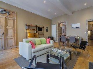 Coursive- Proche quai de saone- appartement tres spacieux avec balcon