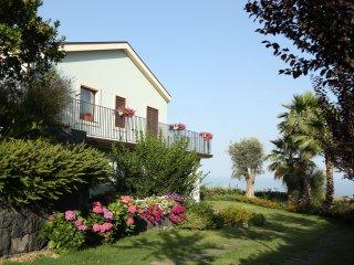 Casa del Melo, stay between sky and sea, Santa Venerina