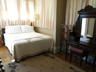 Ace Of Hearts Bed and Breakfast - Pearl Room