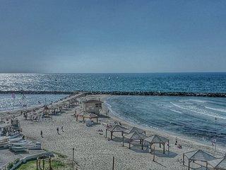 SEA VIEW, BEACHFRONT, PRIME LOCATION STUDIO IN TEL AVIV