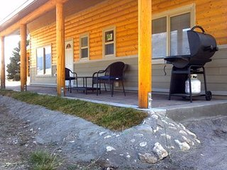 Private New Cabin Plus Studio with Madison Channels Access. Near Yellowstone.