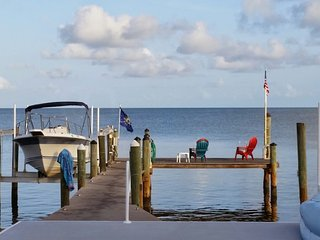 Spacious Gulf Front Home-Amazing Sunsets-2 Master Suites, 10ft Spa, 2 Kayaks, Marathon