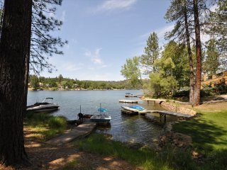 Lakefront 500ft>PopularMarinaBeach Dock PaddleBoat Canoe Kayak WIFI DogOK