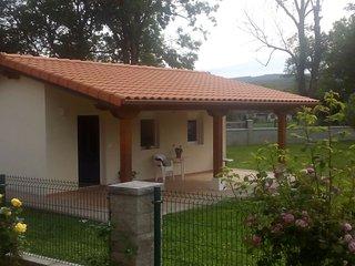 Casa independiente con jardín, cercana a la playa de Noja.
