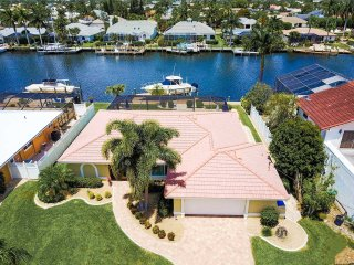 Villa Sunflower - Sailboat Access Pool home