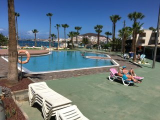 Super location 2 bed seafront apt sea view lovely pool area free HS WIFI 43' TV