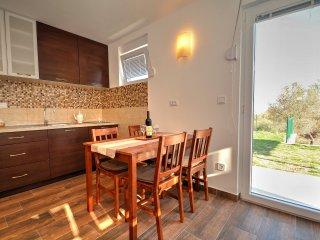 Studio apartment with beautiful sea view, Apartments Blazevic