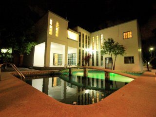 Villa di 600 mq chiamata Claro De Luna, struttura innovativa.