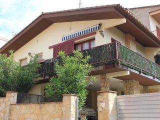 Casa de pueblo al pie del Parque Natural Montgri Illes Medes