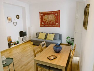 *New* Charming Apartment Downtown Sevilla WIFI-A/C