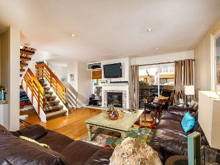 Charming 3BR Family Vacation Home - Spacious & Bright (SBTC165)
