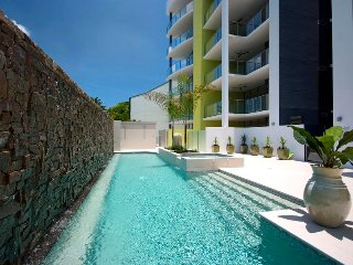 Amazing Location, Inner City Modern Apartment, Free WiFi and Self Check-in, Cairns