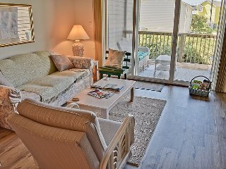 Turtle Cove 121 - SAVE UP TO $105!! Community Pool & Beach Access, Surf City
