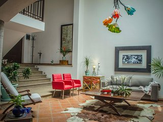 Homely Split Level House for 7 in Los Frailes with Maid Room, Garage and Terrace, San Miguel de Allende