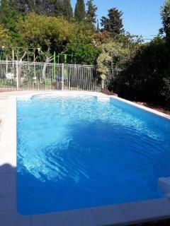 Studio au calme,terrasse sous l'olivier,piscine