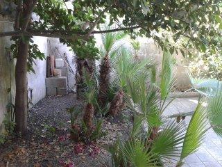 Salento, San Foca, bilocale con giardino sul mare