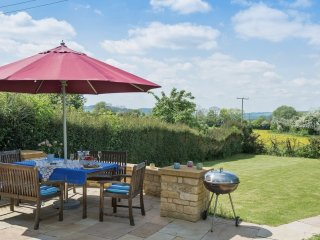 Swallows Rest Cottage, Sleeps 6, Cotswolds, Families