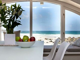 Beach apartment with parking situated on Porthmeor beach, St. Ives