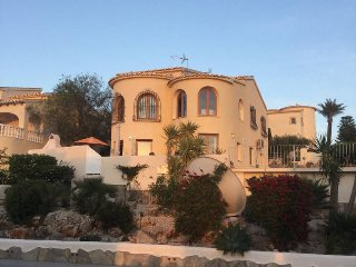 Casa Gilly, large 4 Bedroom villa with Private Pool, sea and mountain views,