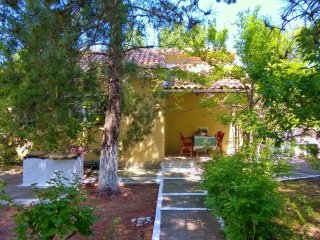 Pretty House X 4 - 5 people in a amazing environment besides the beach in Corfu