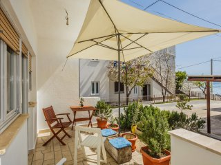 Just 20 m to the sea! Lovely Apartment with Terrace between Split and Trogir