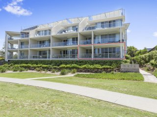 BALE BEACH FRONT RESORT HOME APARTMENT 1128