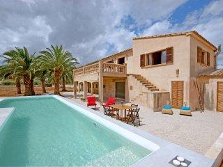 Son Floriana es una casa con capacidad para 6 personas, ubicada cerca del mar