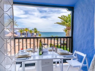 EXTRA LUXORY TWO BEDROOMS APARTMENT BEACHFRONT