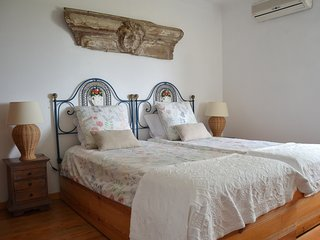 Olive Tree Room (20min drive from Albufeira)